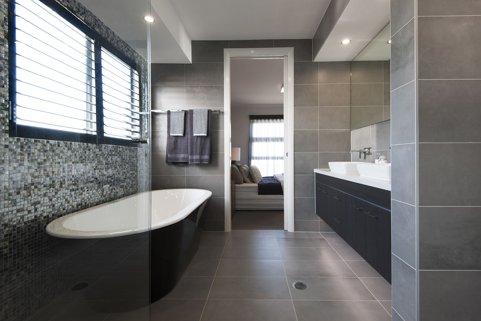 An ensuite with regal class in the wisdom homes monte for Bathroom design visit