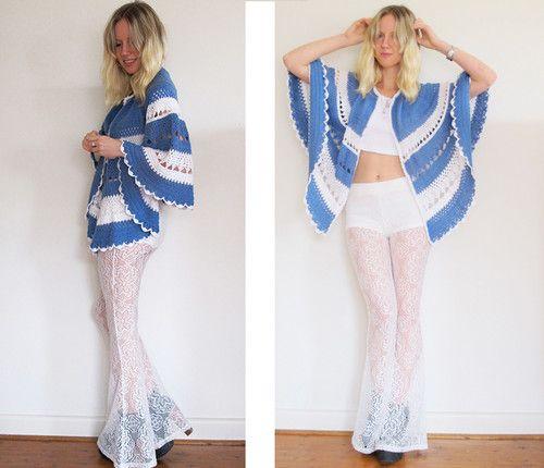 VINTAGE 1970's Bohemian CROCHET Poncho Knit Blue & White SHAWL