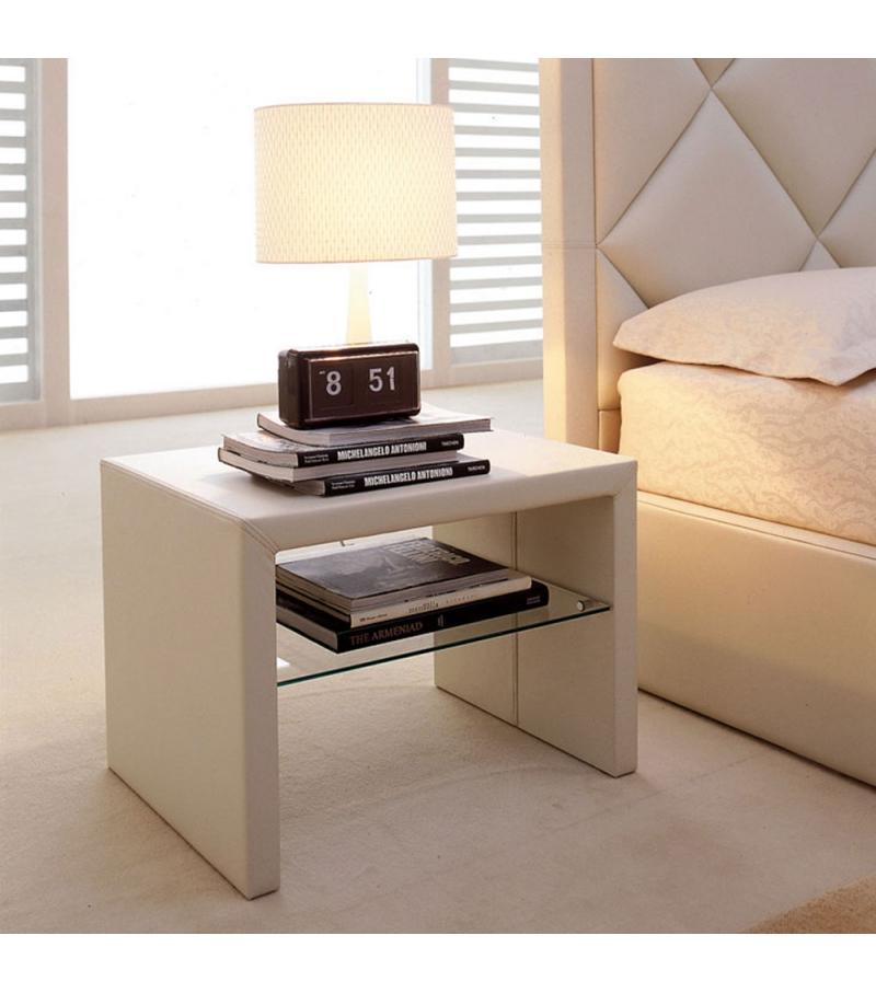 Best Dorian Cattelan Italia Bedside Table Italian Bedroom 640 x 480