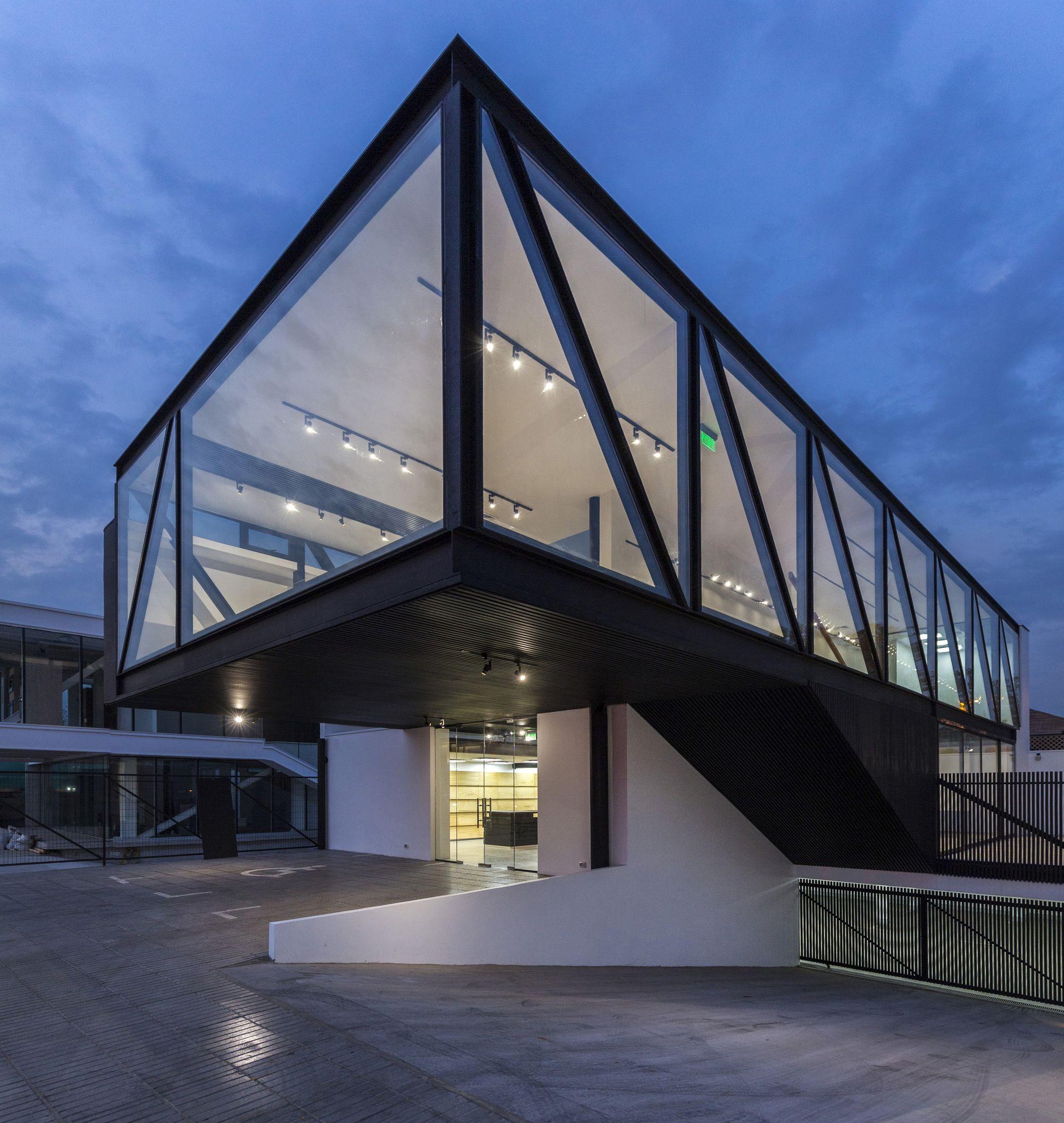 Construido En 2016 En Vitacura, Chile Imagenes Por Marcos Mendiz