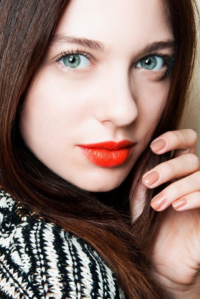 Pin by Dani Maiden on Makeup Party makeup looks, Red