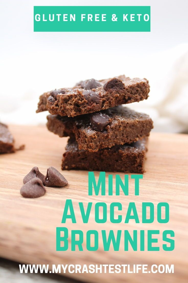 Mint Chocolate Avocado Brownies - My Crash Test Life These are delicious, easy and low in calories