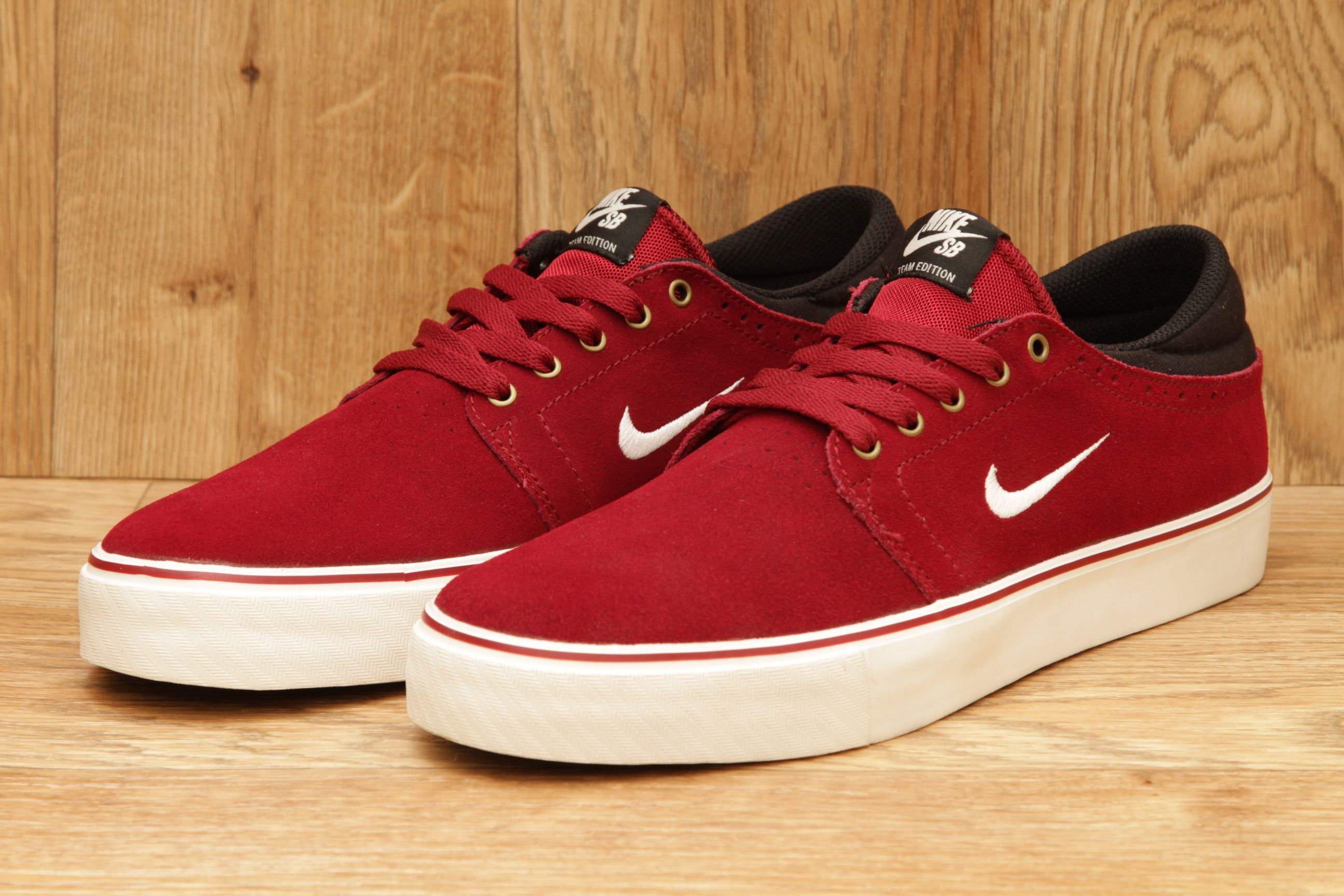 best website 6aedb cc599 NIKE SB ZOOM TEAM EDITION TEAM RED   SAIL BLACK £54.95