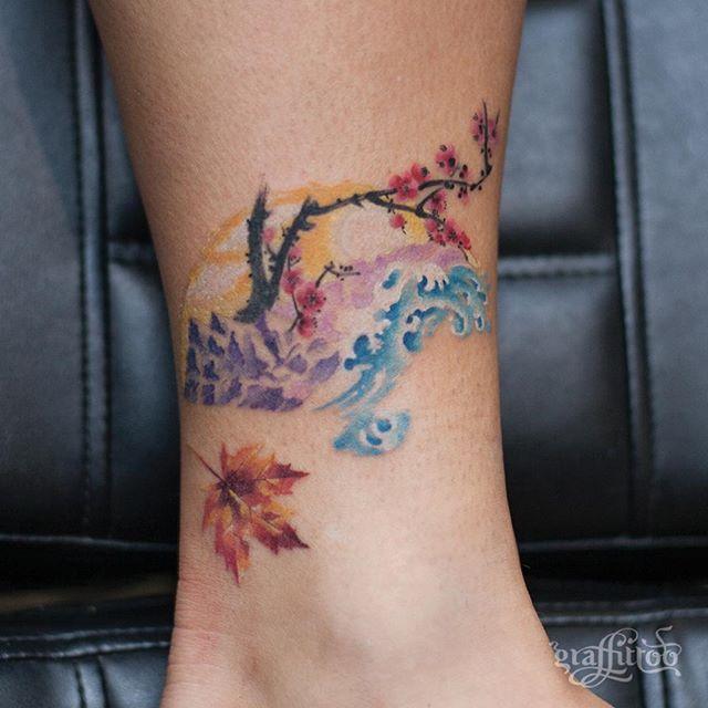 부채와 메이플잎 :) - #타투 #그라피투 #타투이스트리버 #디자인 #그림 #디자인 #아트 #일러스트 #tattoo #graffittoo #tattooistRiver #design #painting #drawing #art #Korea #KoreaTattoo #fantattoo #mapletattoo #부채 #파도타투 #동양화타투 #wavetattoo