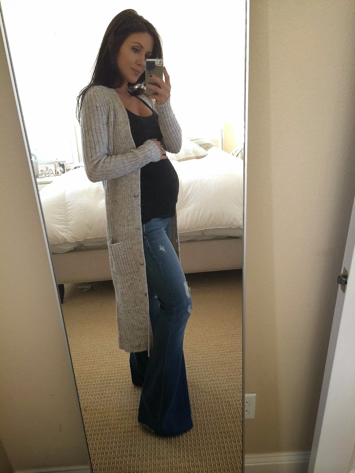 The HONEYBEE // Love the long cardigan with flared jeans ...