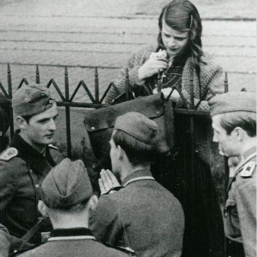 Sophie Scholl with other members of The White Rose ...