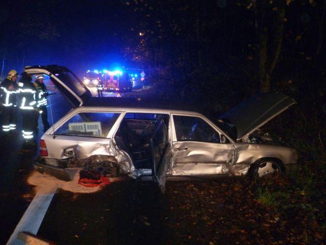Vier verletzte bei Unfall in Herdecke – Kollision zwischen Mercedes und Daihatsu