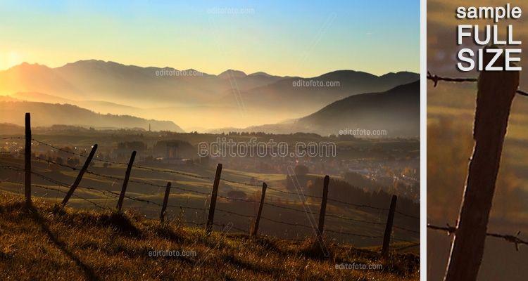 Tramonto sull'altipiano di Asiago #Asiago #tramonto #royalityfree @montagna @tramonto