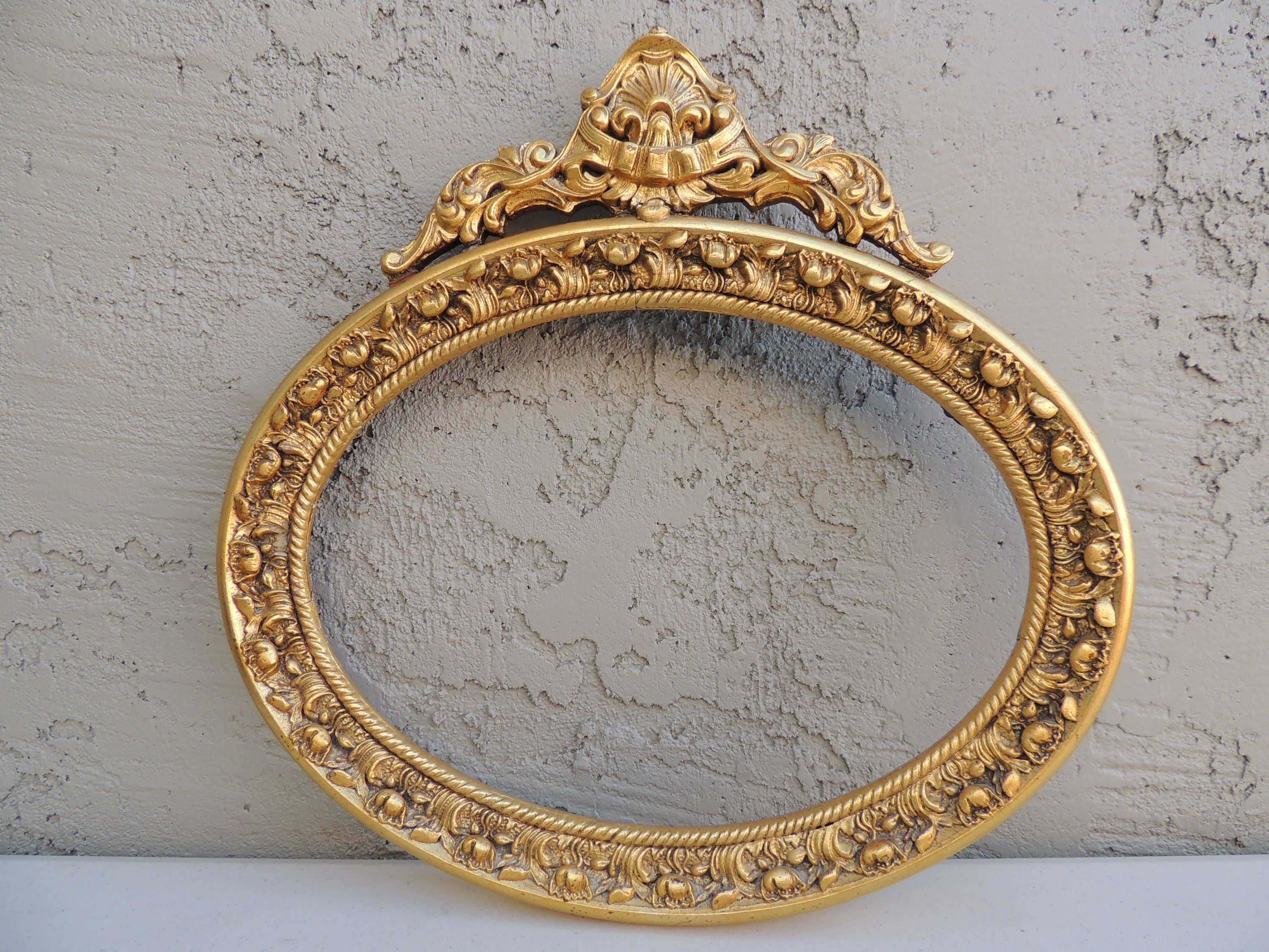 Antique Exquisite Wood Gesso Oval Frame