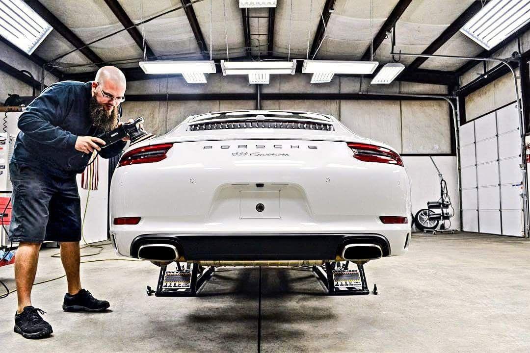 Porsche911 Quickjacked Quickjack Derschnelleheber Einfach Sicher Bequem Ein Auto Mit Allen 4 Radern Gerade Mi Garage Car Lift Car Lifts Garage Tools