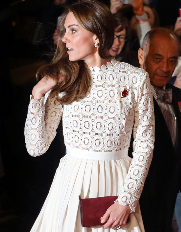 8f2b281e81c5 Meghan Markle wore this dress to meet the Queen - you won't believe ...