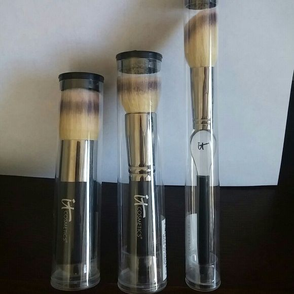 It cosmetics lux brushes 3 It Cosmetics lux brushes, blush brush, buffing brush, powder brush It Cosmetics Makeup Brushes & Tools