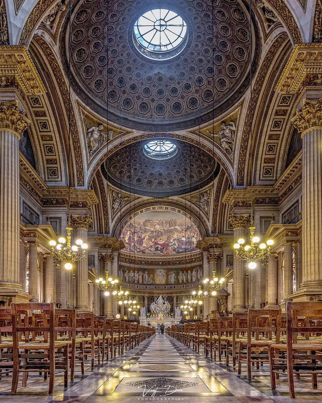 """Vincent Evrat on Instagram: """"Les dorures de La Madeleine. 🧡💛 • #canonphotography #canon80D #canonphotographer #canon #church #parisjetaime #parismaville #igersparis…"""""""