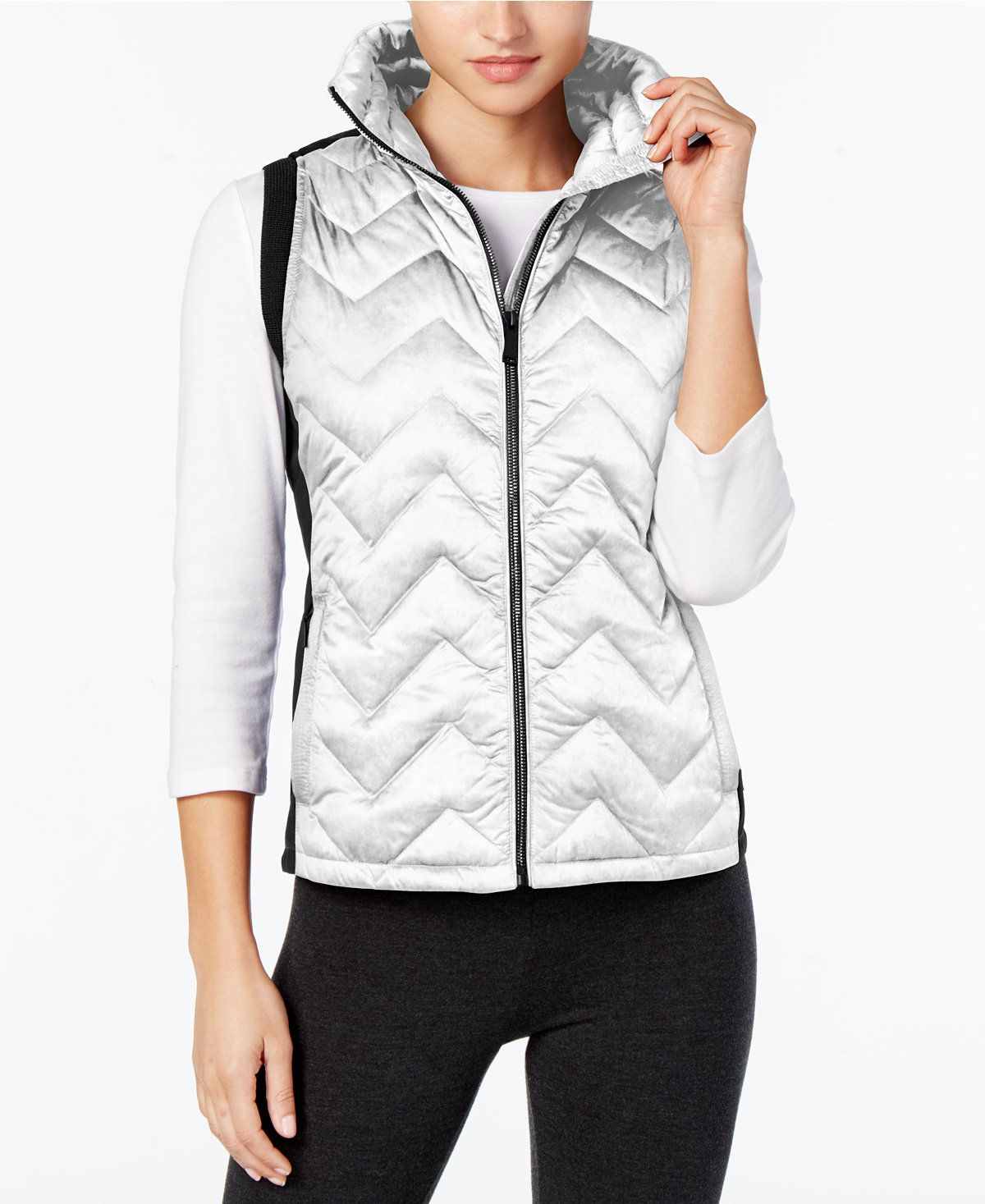 Calvin Klein Performance Chevron Quilted Down Vest Elevate Your Look And Enhance Your Comfort With This Stylish Vest From Calvin Klein Perf Kadin Modasi Kadin