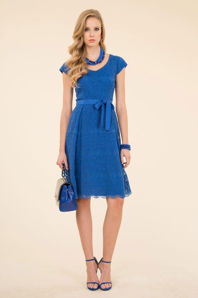 Il fashion brand Luisa Spagnoli ha pensato ad una collezione di abiti da  cerimonia per la 6f91c452e75