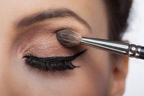 Trucos de maquillaje para párpados caídos y arrugados – ¡funcionan!. ¿Tus p…