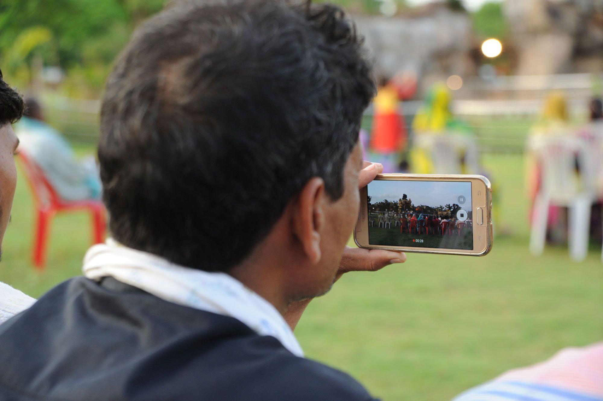 नया रायपुर स्थित पुरखौती मुक्तांगन अनोखी सांस्कृतिक विशेषताओं के लिए जाना जाता है। छत्तीसगढ़ के हर जिले की संस्कृति यहां पर कलाकृतियों के माध्यम से झलकती है। साथ ही आयोजित रंगारंग प्रस्तुतियां इस संस्कृति का एक पूरा परिचय देती हैं। बलौदाबाजार के जनप्रतिनिधियों ने पुरखौती मुक्तांगन देखा।