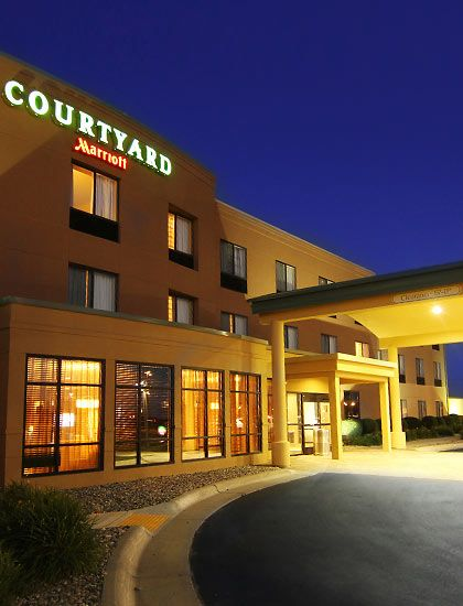Courtyard By Marriott Hotel Conference Center Moorhead Mn