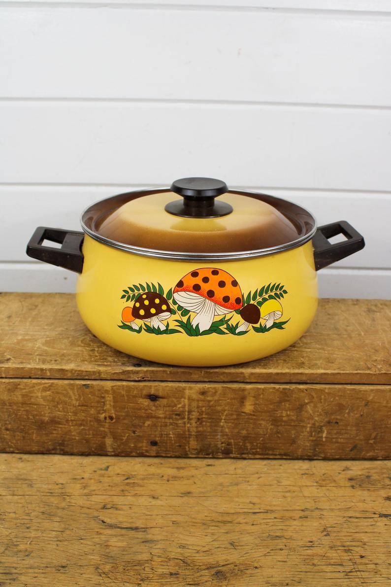 Vintage Enamel Mushroom Decorative Pot With Lid In 2020 Decorative Pots Stuffed Mushrooms Mushroom Design