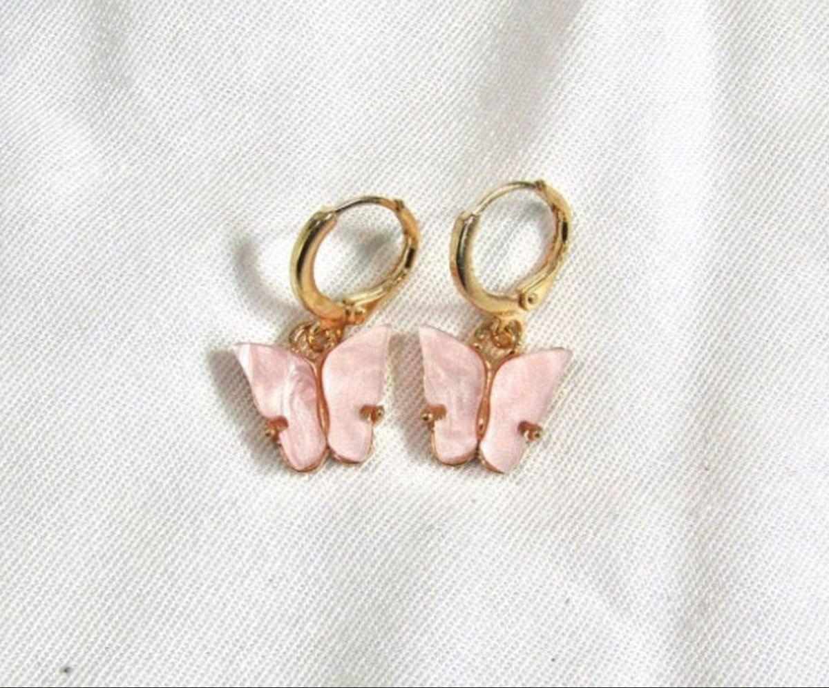 Baby pink mariposa butterfly earrings gold hoop butterfly