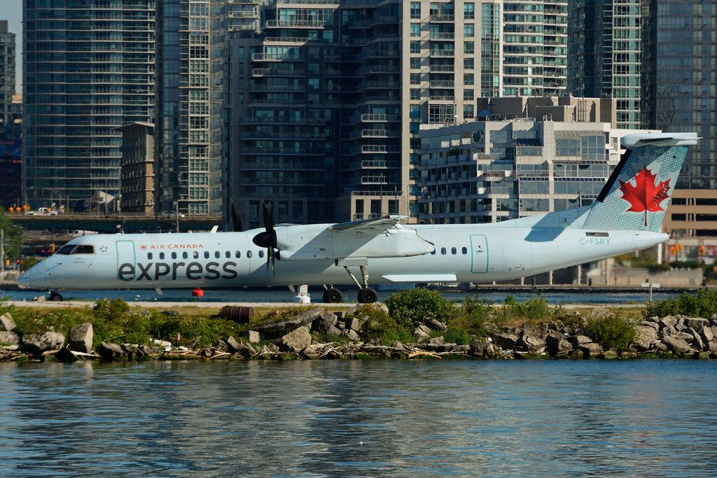 C FSRY Bombardier DHC 8Q 402 Air Canada express operated