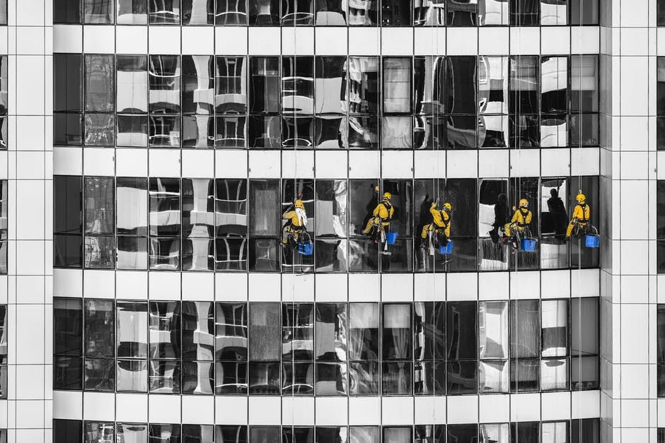 Reminder in Hiring Window Cleaners Window cleaning
