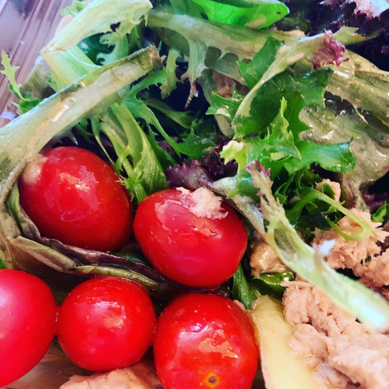 Tuna and free salad #300caloriemeals Under 300 calories meal #300caloriemeals