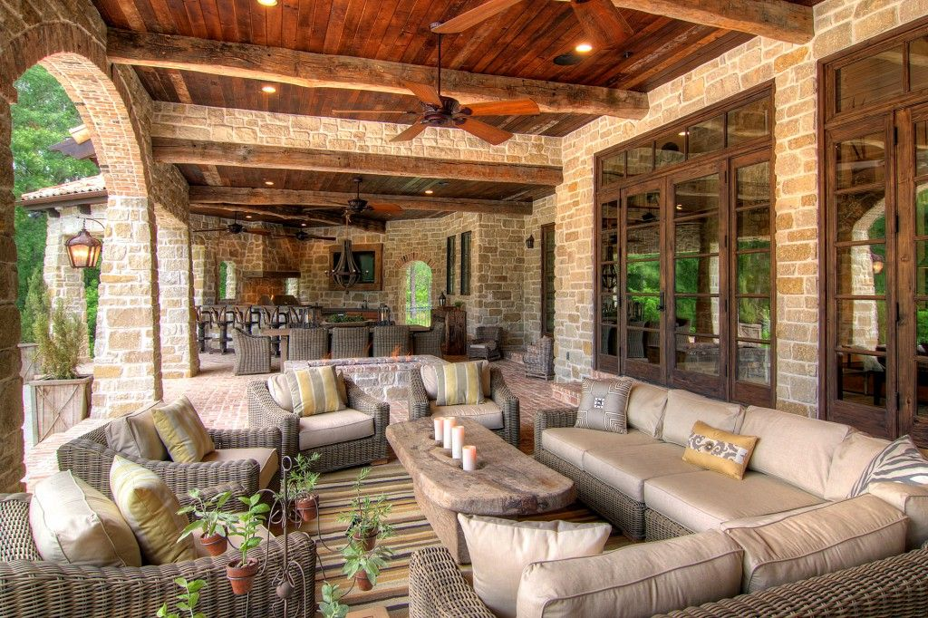 outdoor living spaces with hot