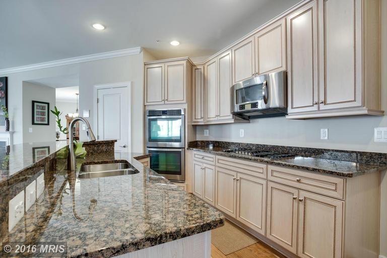 3154 Rendsburg Ct Waldorf Md 3 5 Baths Home House Home Decor