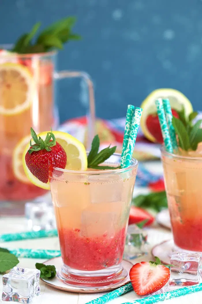 Homemade Strawberry Lemonade Recipe - The Suburban Soapbox