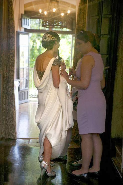 Confessions of a wedding: Girlfriends with rear sprockets
