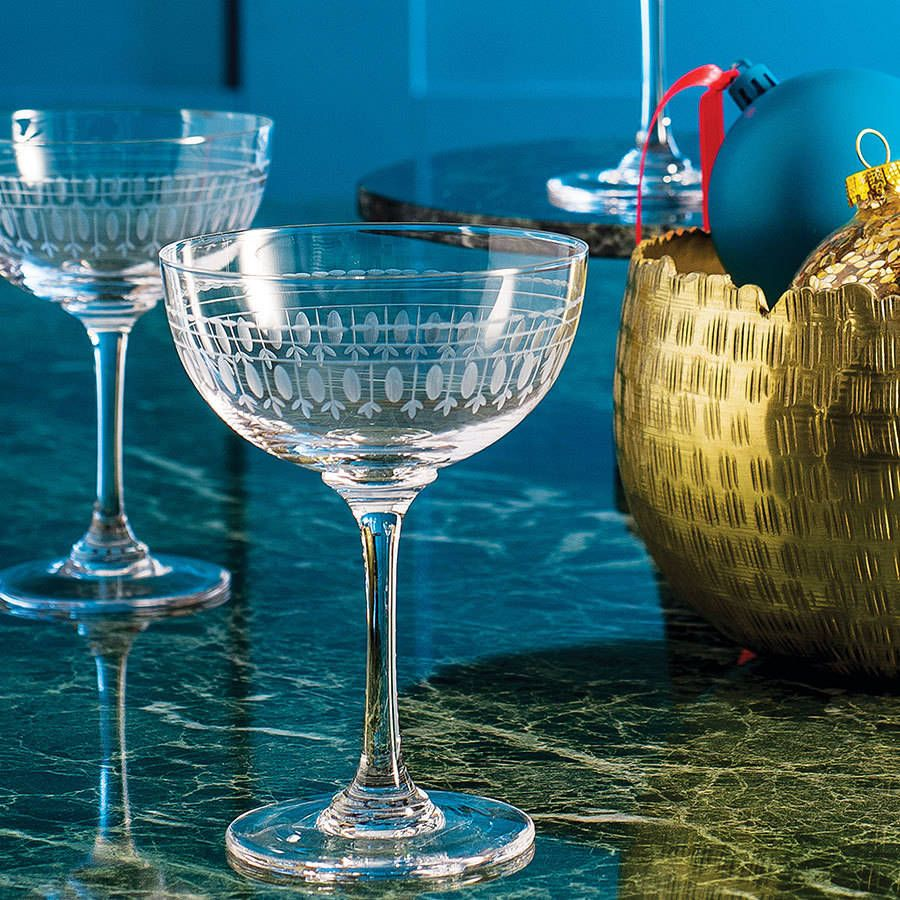 2a02fdb0b591 Are you interested in our christmas table decoration  With our vintage  champagne glasses you need look no further.