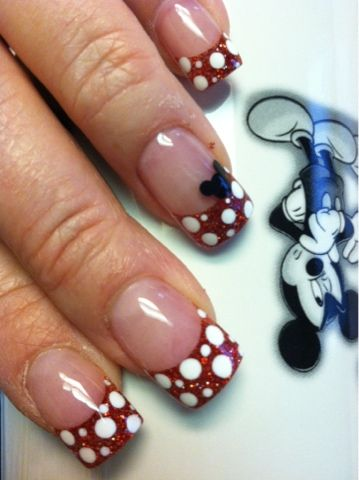 Minnie Mouse Nails Nailart Minnie And Mickey Nails Pinterest