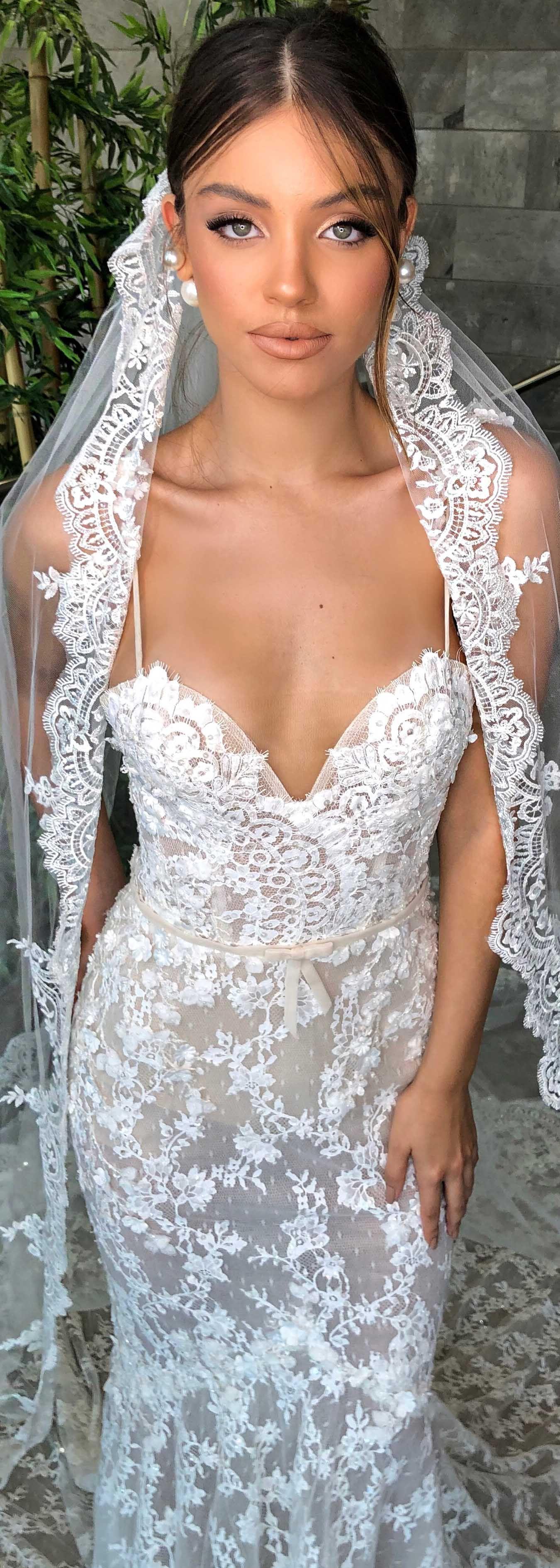 23+ Wedding dress with veil and tiara ideas