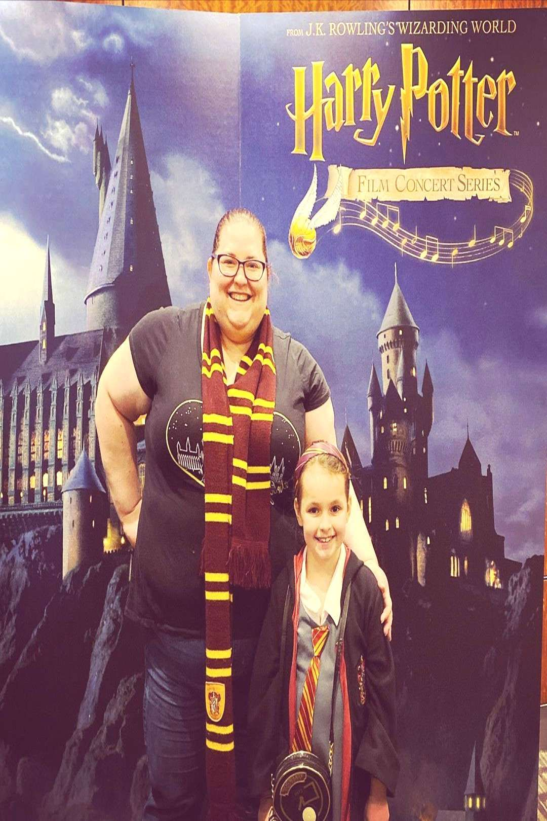 Peoplepeople Delanies Symphony Standing Delanie Potter Harry Aunt Jess And The For At 2 Aunt Jess And Delanie At The Harry Potter Symp In 2020 Harry Potter