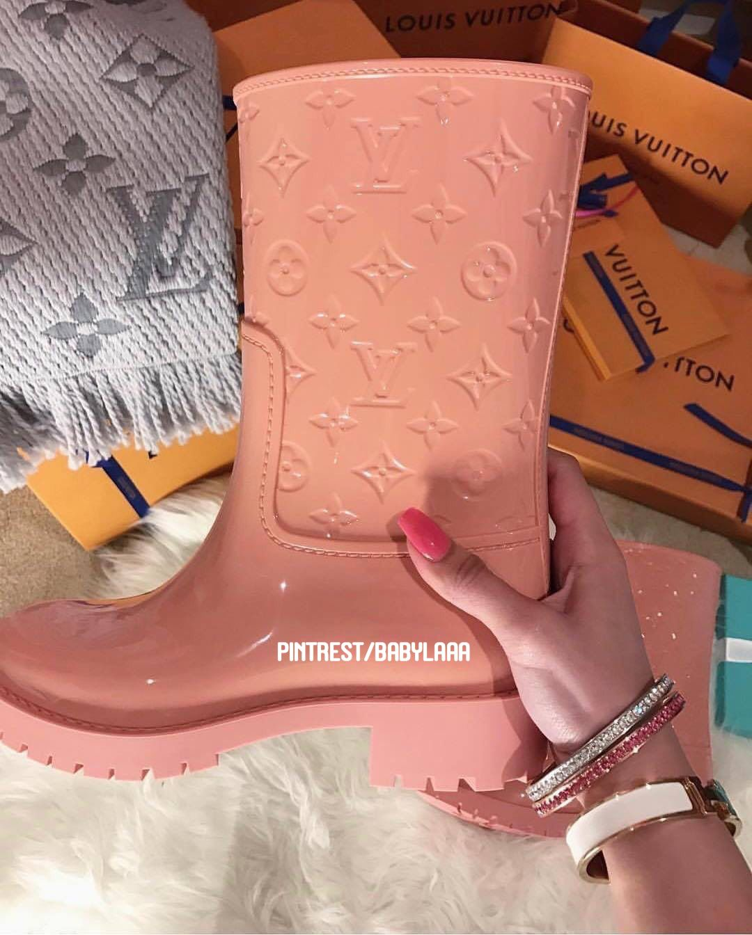 Pin by Lennaaa on WISHLIST in 2019 | Boots, Cute shoes, Shoes