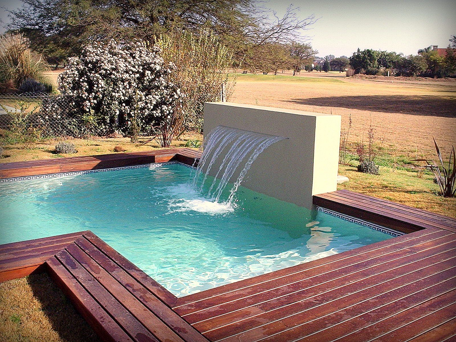 Piscina pool dise o personalizados cascada de agua for Disenos de cascadas para piscinas