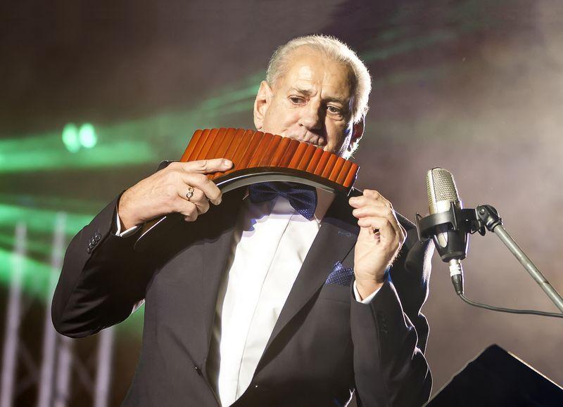 Gala Aniversară Zamfir 50 Foto Rezumat Flute Music Classical Music Pan Flute