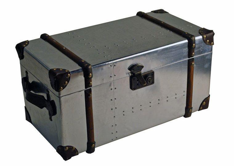 Trunk koffer met houtbeslag