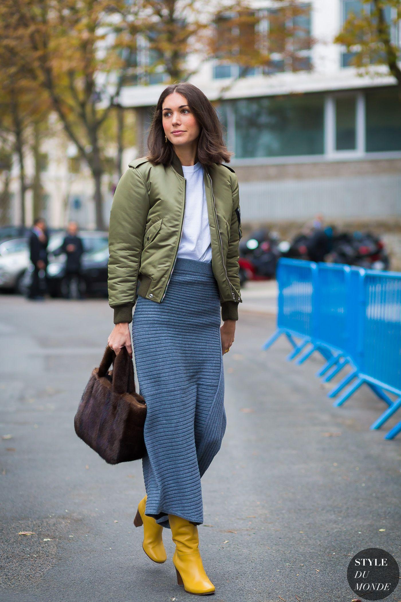c10203d6 Paris SS 2017 Street Style: Diletta Bonaiuti | knit+weave | Bomber ...