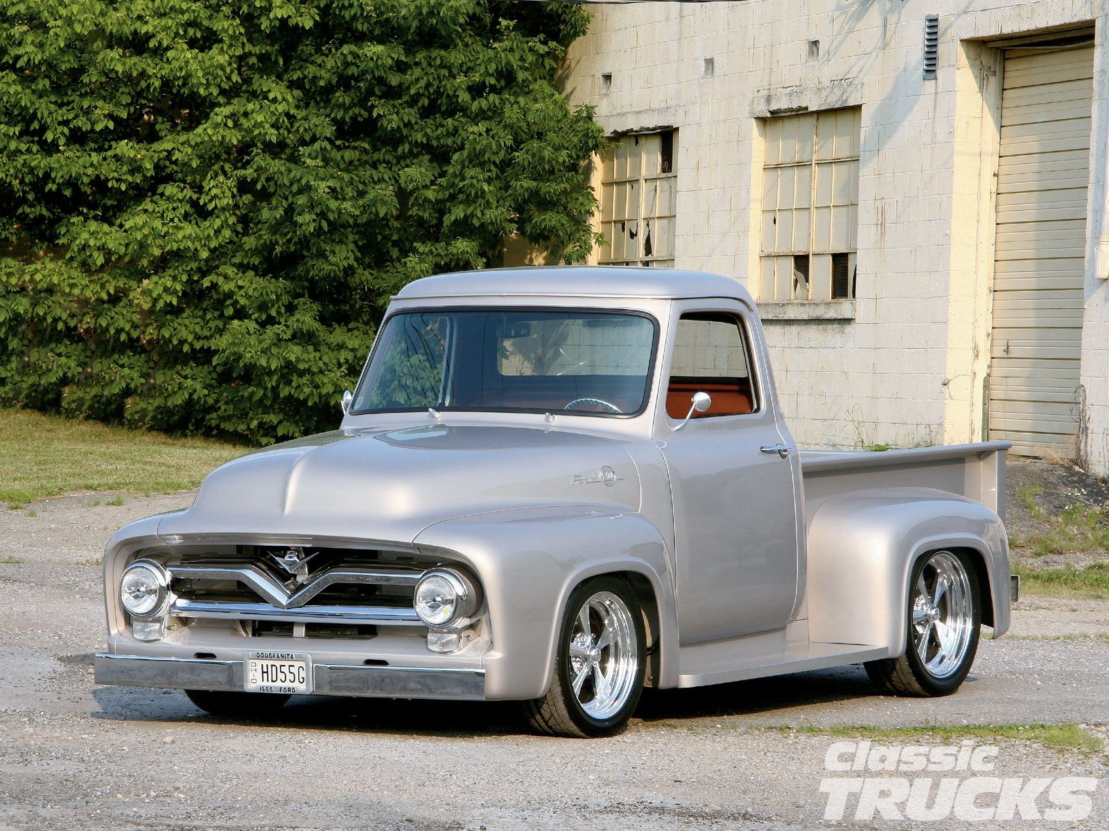 1955 ford f100 perfect height like the wheels and the front old trucks pinterest ford wheels and classic trucks