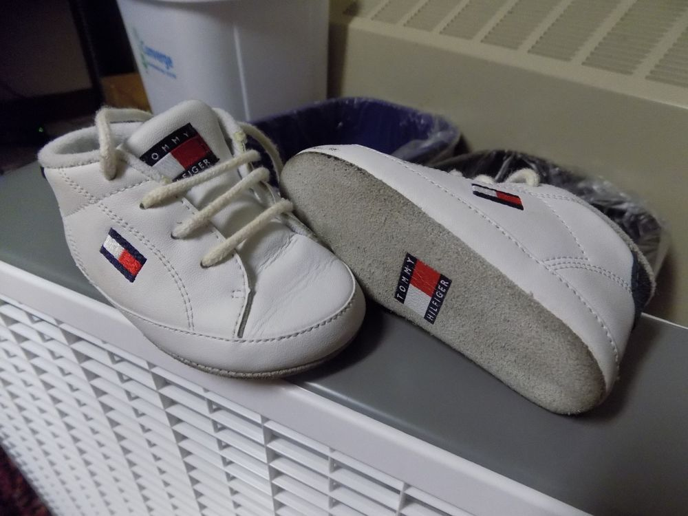 687421b1017e6a TOMMY HILFIGER Leather 3M Infant Baby Crib Shoes White with Brand Flag   fashion  clothing  shoes  accessories  babytoddlerclothing  babyshoes  (ebay link)