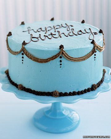 How to Decorate a Birthday Cake Birthday cakes Blue birthday