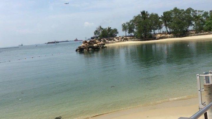 Resort World Sentosa 🏔⛰- - - #shotoniphone - - #singapore #sentosa #bus #beach #tourism #travel #changi #love #fashion #photooftheday #asia #beauty #instapassport #hgtv #vsco #saigon #amor #любовь #мода #Russia #Россия #облака #осень #утро #еда