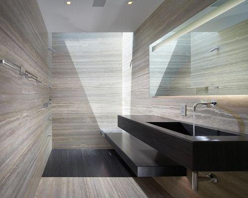 Am nagement d 39 une salle de bain contemporaine avec une douche l 39 italienne et du carrelage en for Amenagement salle de bain douche italienne