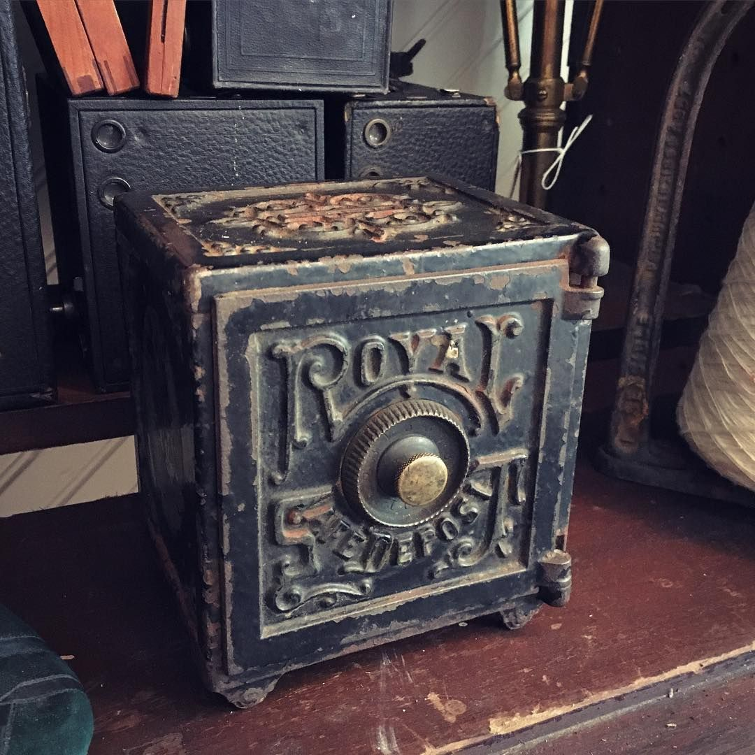 Antique Royal Safe Deposit Cast Iron Coin Bank Love 95