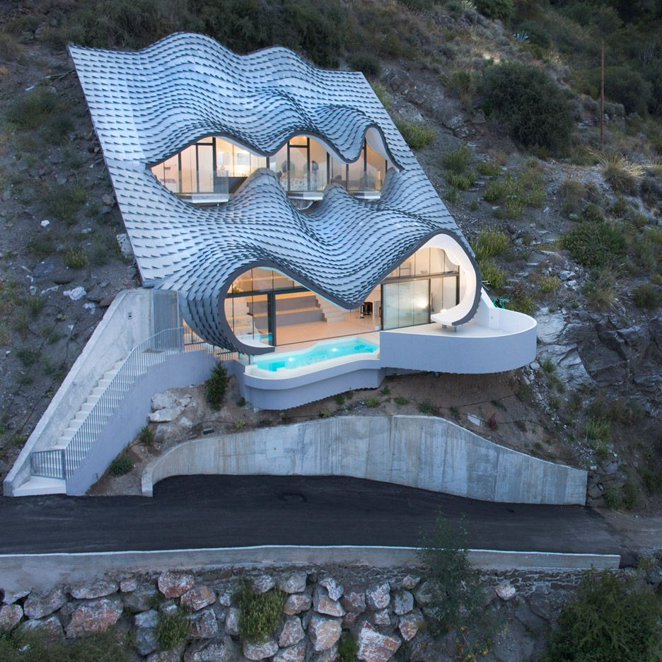 House On The Cliff By Gilbartolome Architects In Granada