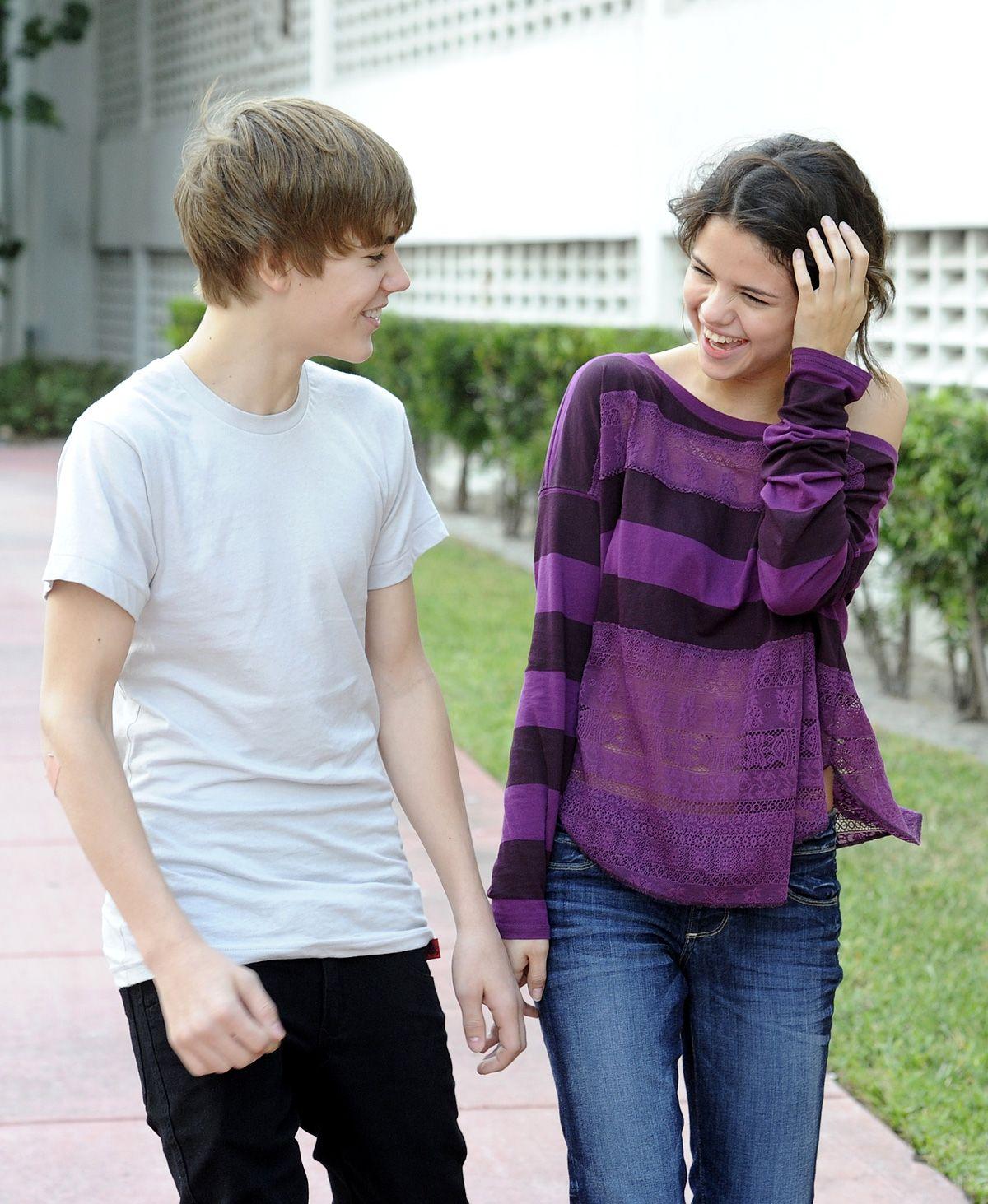 50 Selena Gomez Wallpapers Hd Download Justin Bieber And Selena Selena Gomez Wallpaper Justin Bieber Wallpaper