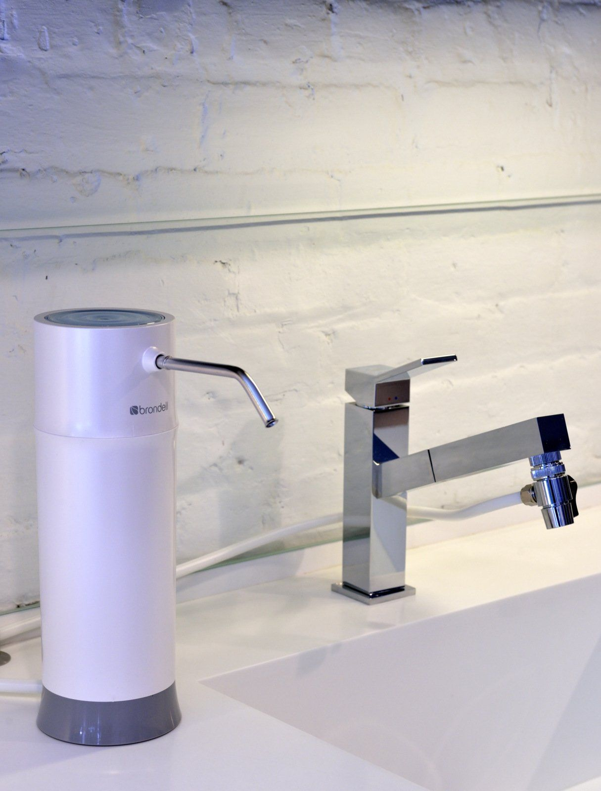 Brondell H2O+ Pearl Countertop Water Filter System. WQA