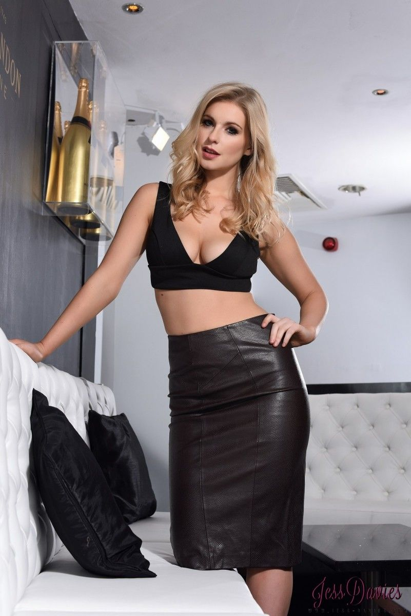 k Followers, Following, 1, Posts - See Instagram photos and videos from We Love Leather Skirts (@leather_skirts).